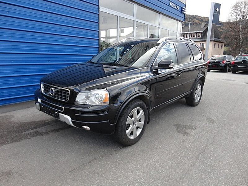 Volvo XC90 D5 AWD A-Geartronic Momentum